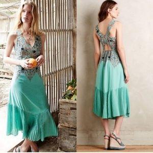 OO Petite unique  Maevun dress to wear into Fall